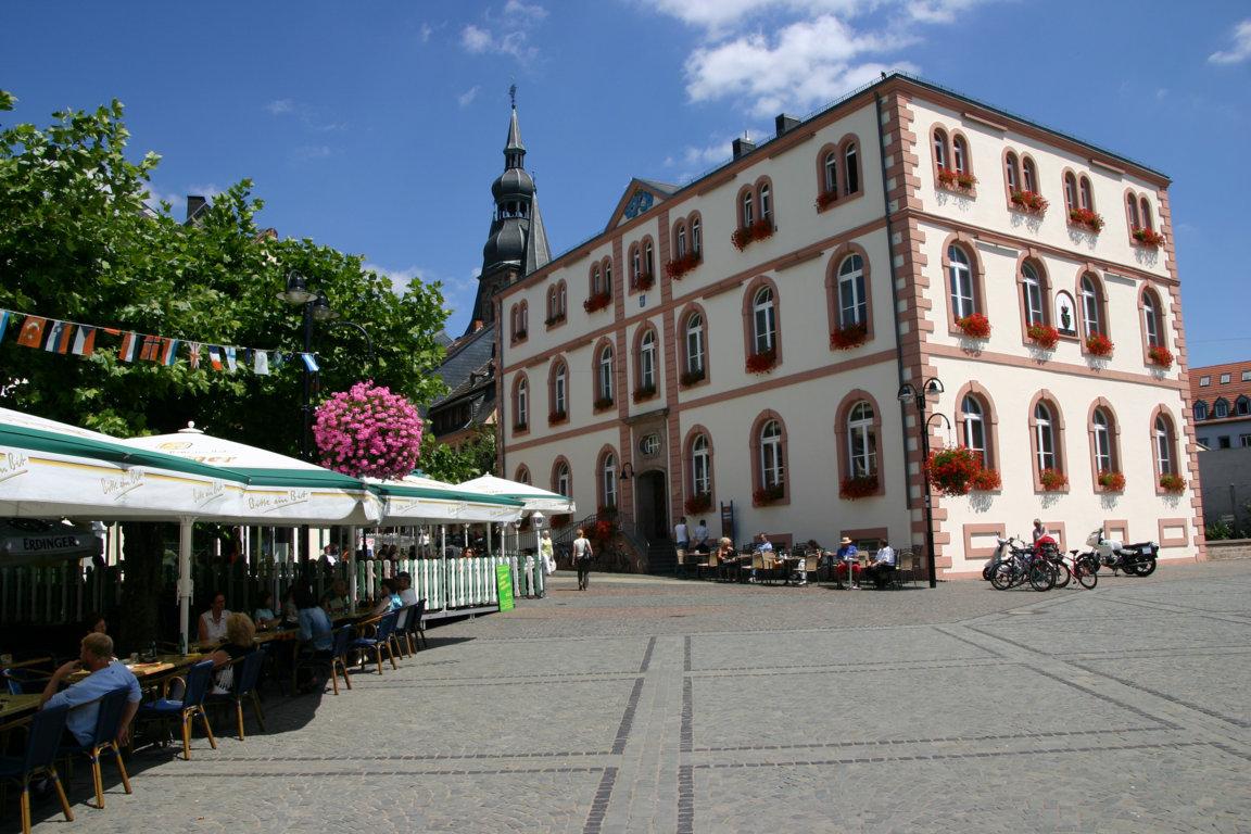 Basilika mit Schlossplatz in St. Wendel