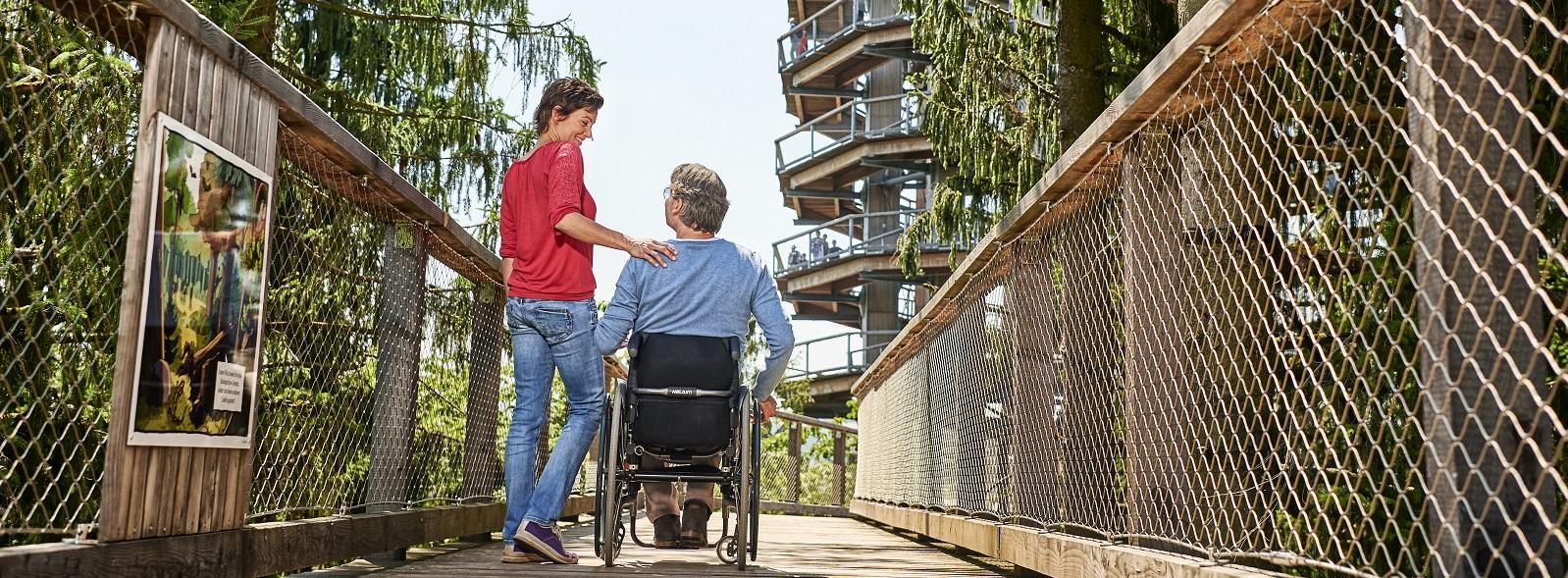 Baumwipfelpfad Saarschleife mit Rollstuhl